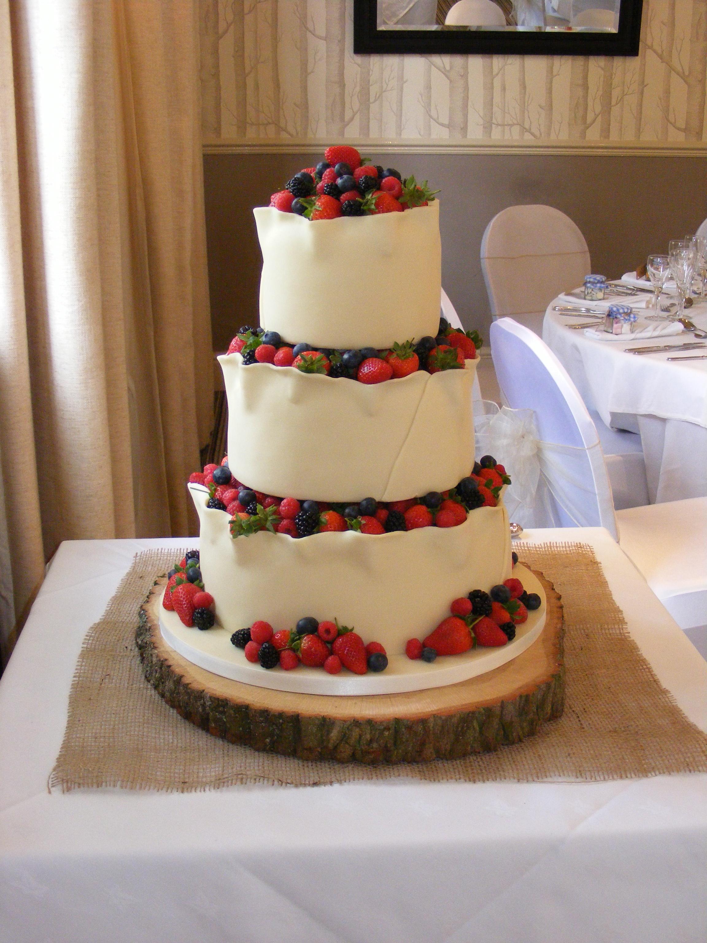 Country Elegance Wedding Cakes