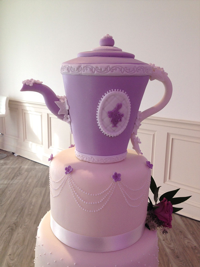 WONDERLAND TEA TIME WEDDING