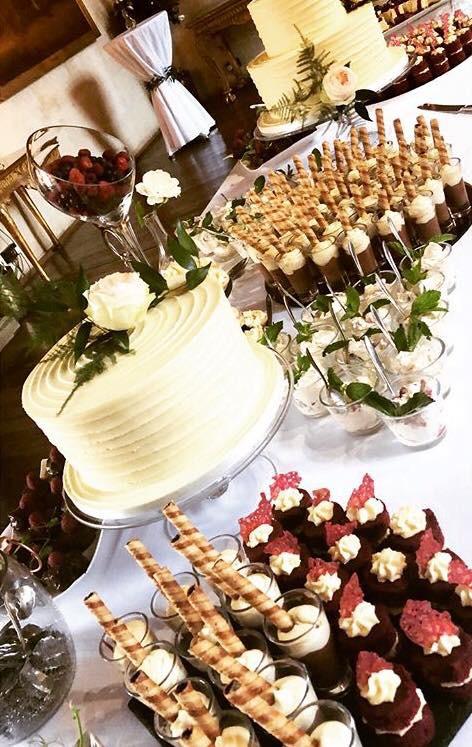 B:C Glass Stands Wedding Cake