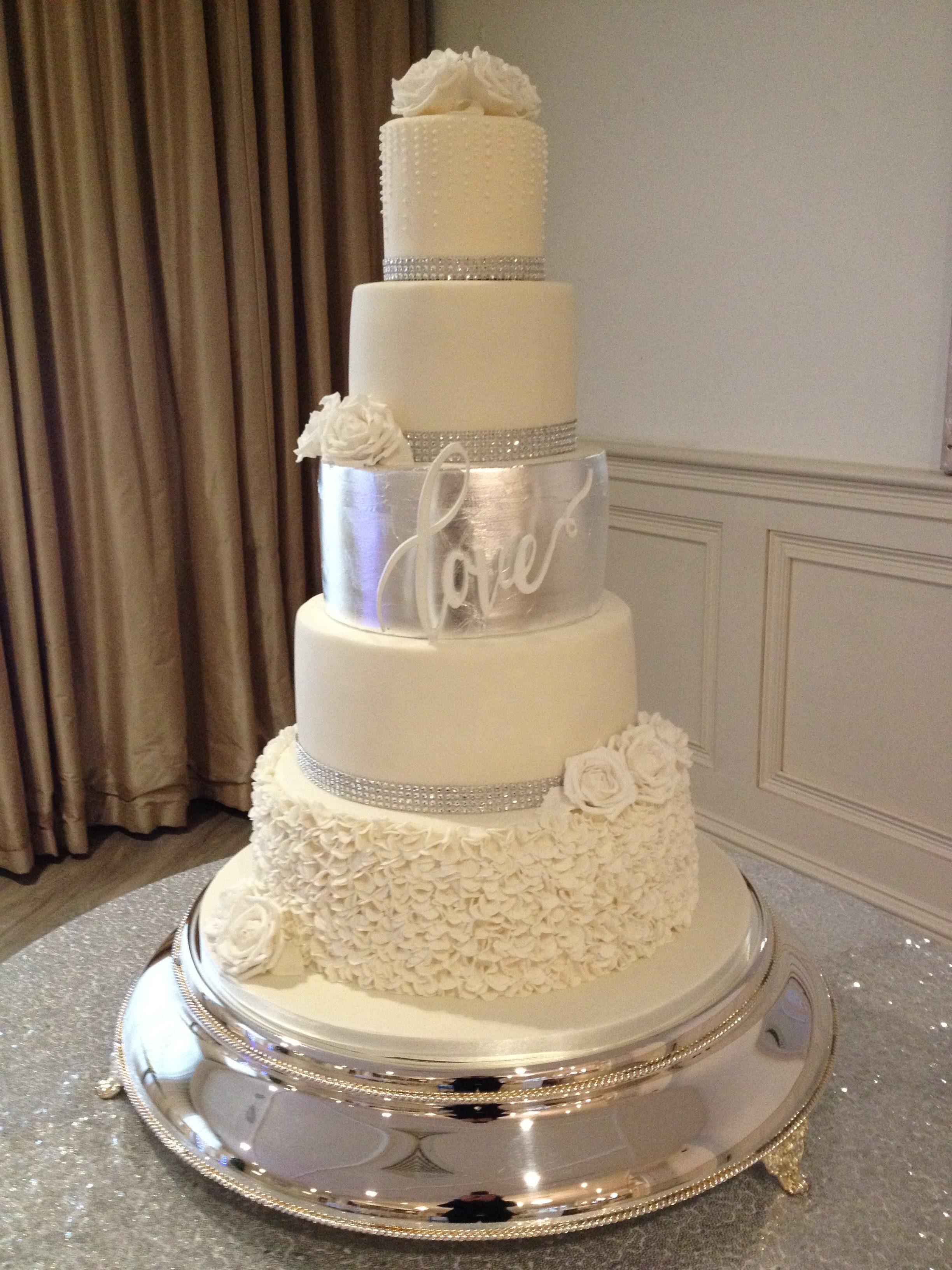 Love Wedding Cake 3