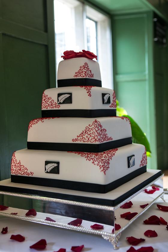 NZ Fern & Red Roses Wedding Cake